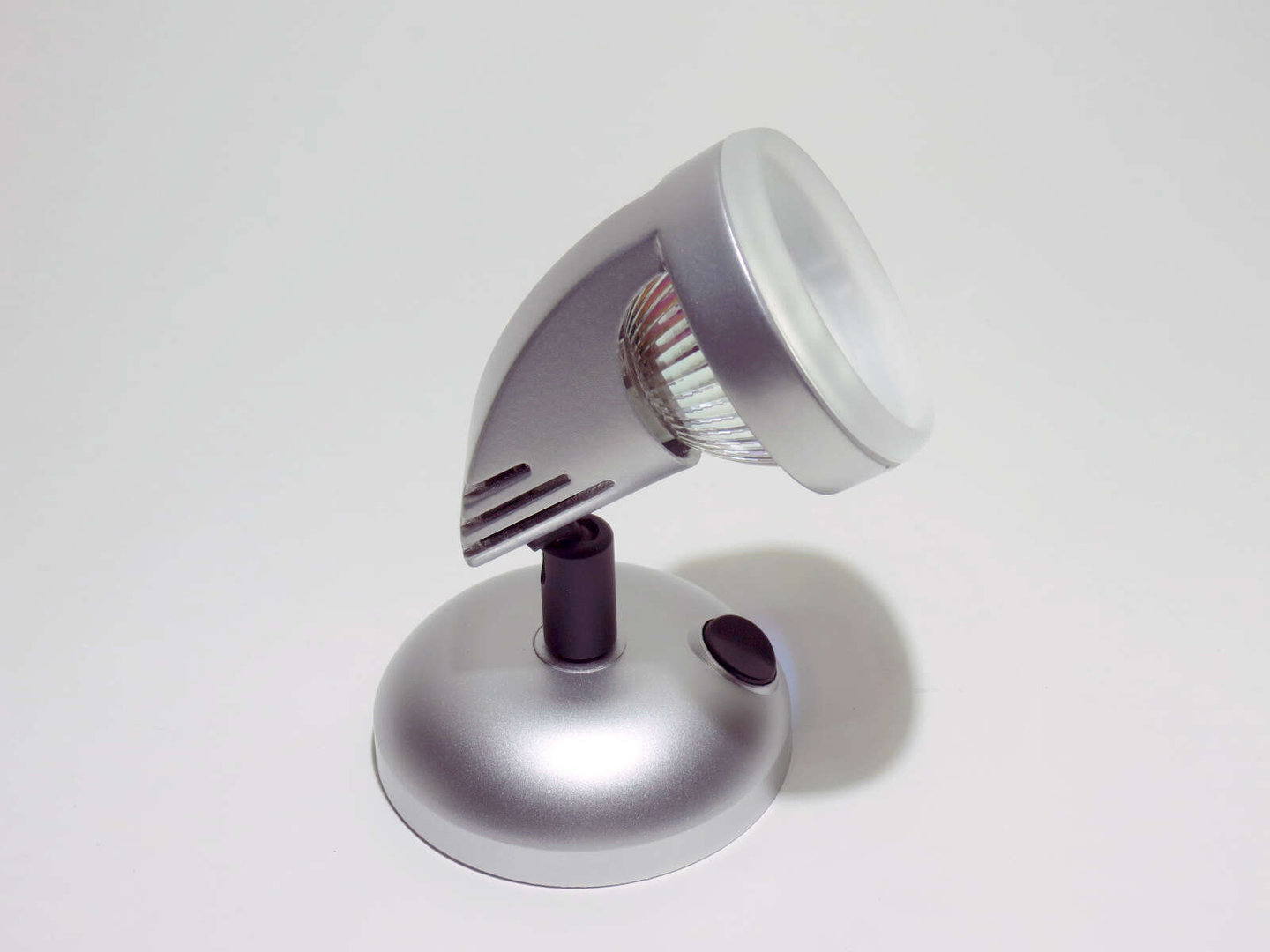 12V Dometic surface mounted luminaire swiveling MR16 with