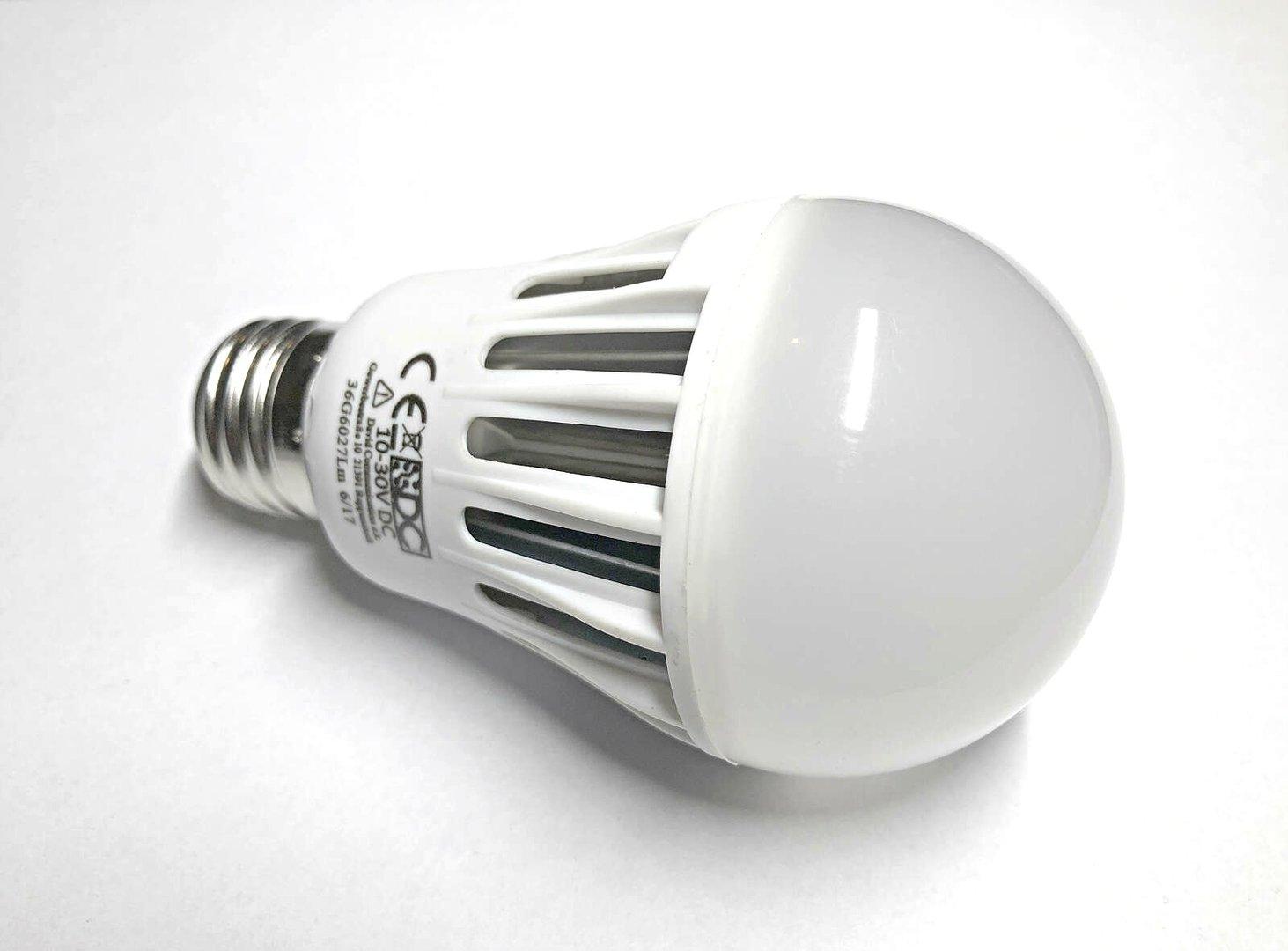 led e27 niedervolt leuchtmittel f r wohnmobil wohnwagen. Black Bedroom Furniture Sets. Home Design Ideas