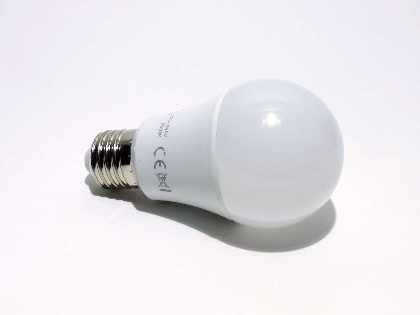 E27 LED Bulb 10W LB60 matt 806L warmweiß
