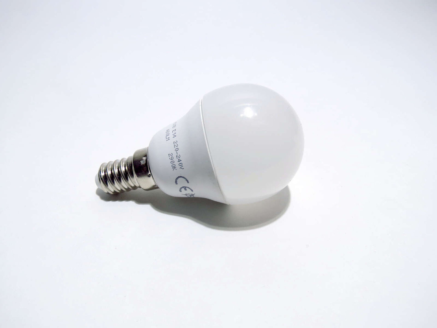 E14 Mini Globe LED 6W 45mm matt warmweiß